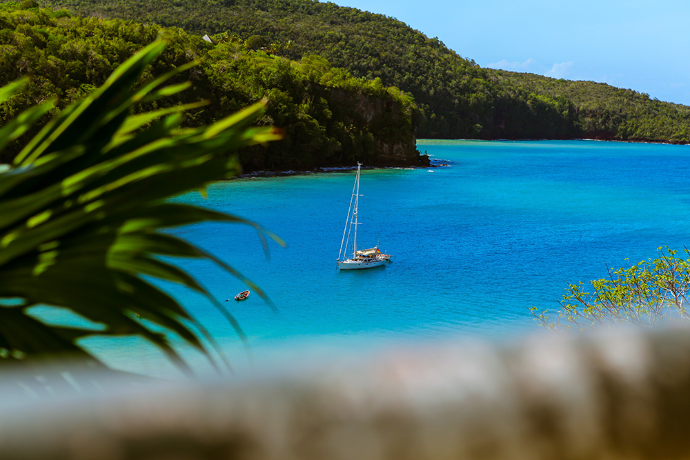 Private one-way transfer: Hewanorra Airport to Bay Gardens Beach Resort, St. Lucia